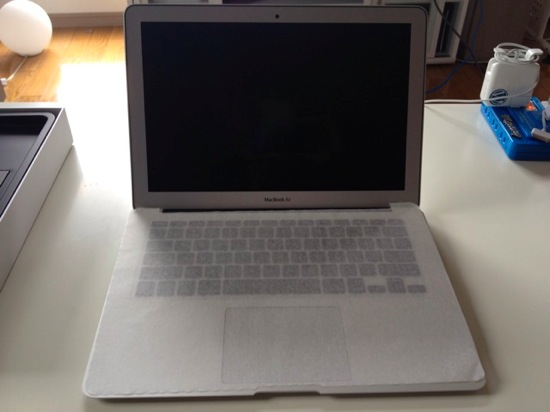 Macbook air 13inch arrive 11