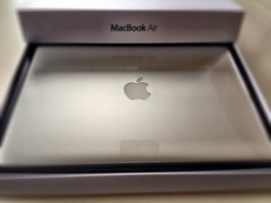 macbook_air_13inch_arrive_title