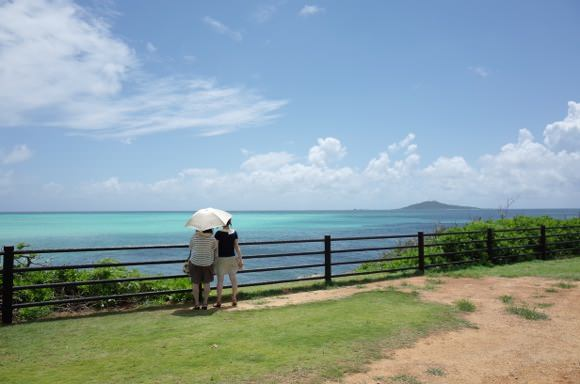 beautiful-sea-of-miyako-island-16.jpg