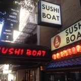「SUSHI BOAT(寿司ボート)」寿司が船で流れてくる謎の面白店 in サンフランシスコ