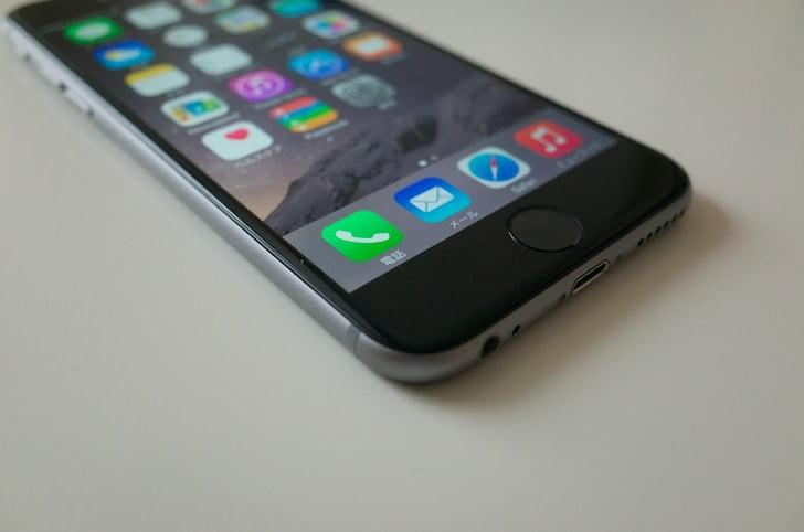 【レビュー】iPhone 6のデザインをチェック。丸みを帯びて手にフィット。ギリ片手操作いける…か?