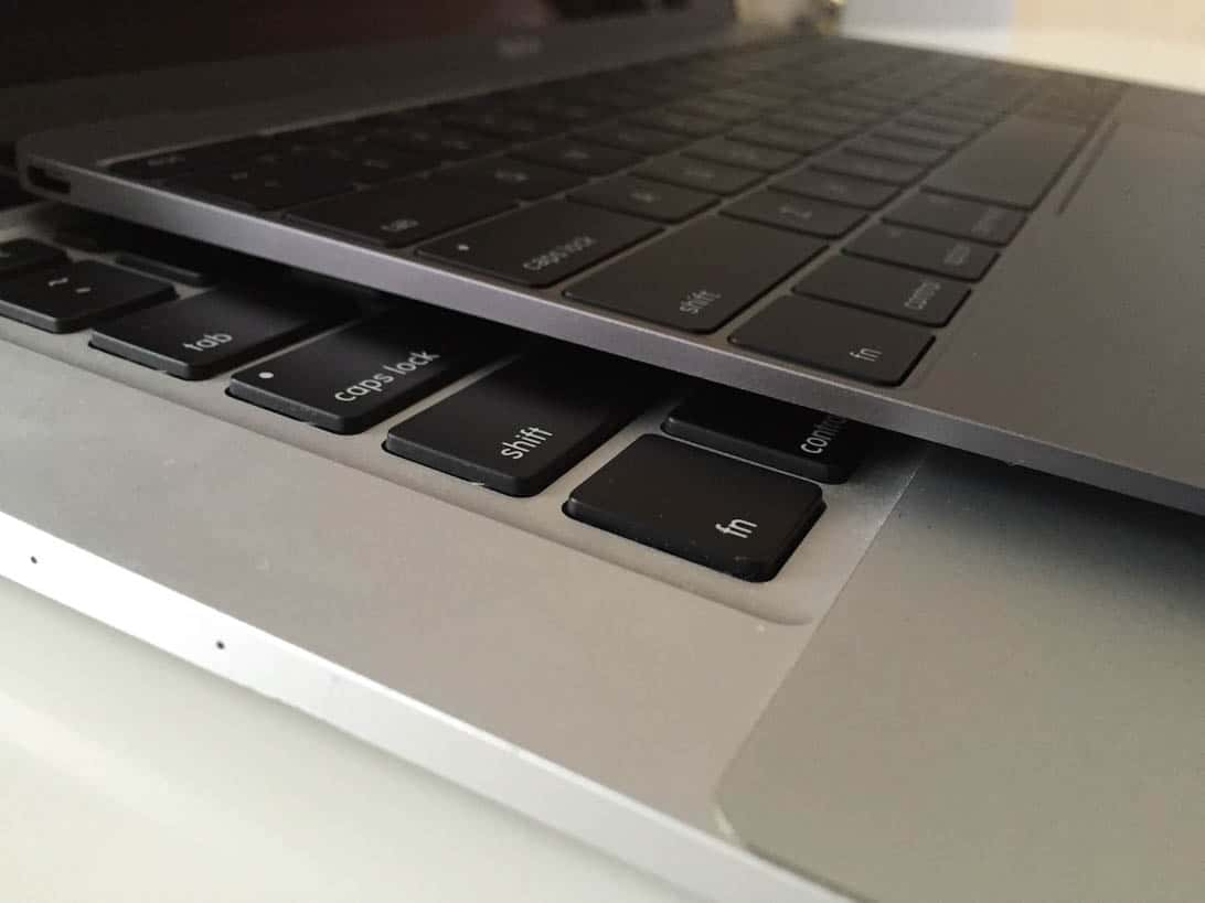 Comparison between new macbook and air 7
