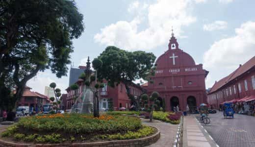 マレーシアの世界遺産都市・マラッカを回るツアー体験レポ。自転車タクシー「トライショー」の装飾が絶対あかんやつ!