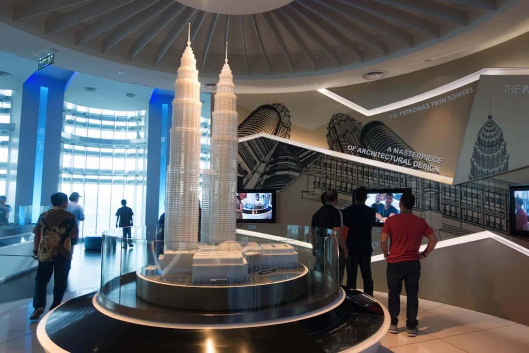 Petronas twin towers 23