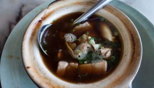 「新峰肉骨茶」クアラルンプールのバクテー(豚バラ肉の土鍋漢方スープ)の名店!