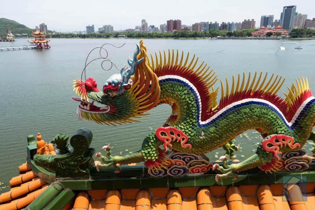 Lotus lake dragon and tiger pagodas 18