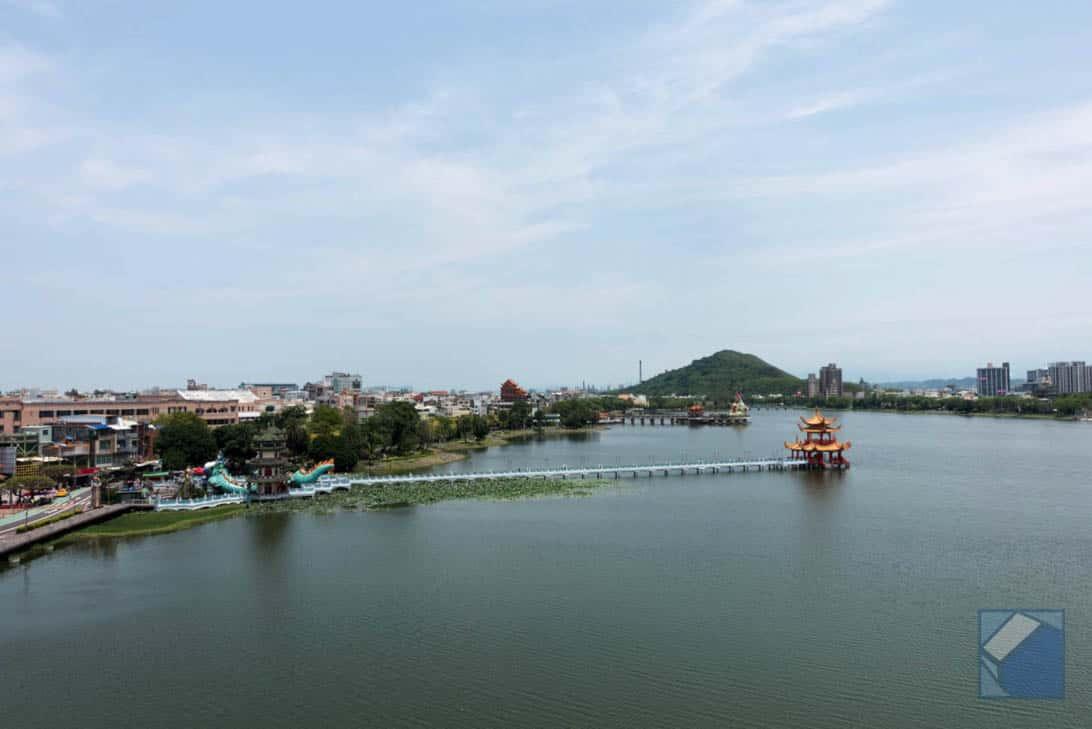 Lotus lake dragon and tiger pagodas 19