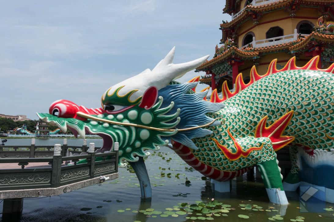 Lotus lake dragon and tiger pagodas 30