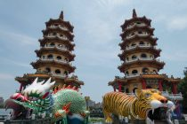 lotus-lake-dragon-and-tiger-pagodas-32.jpg