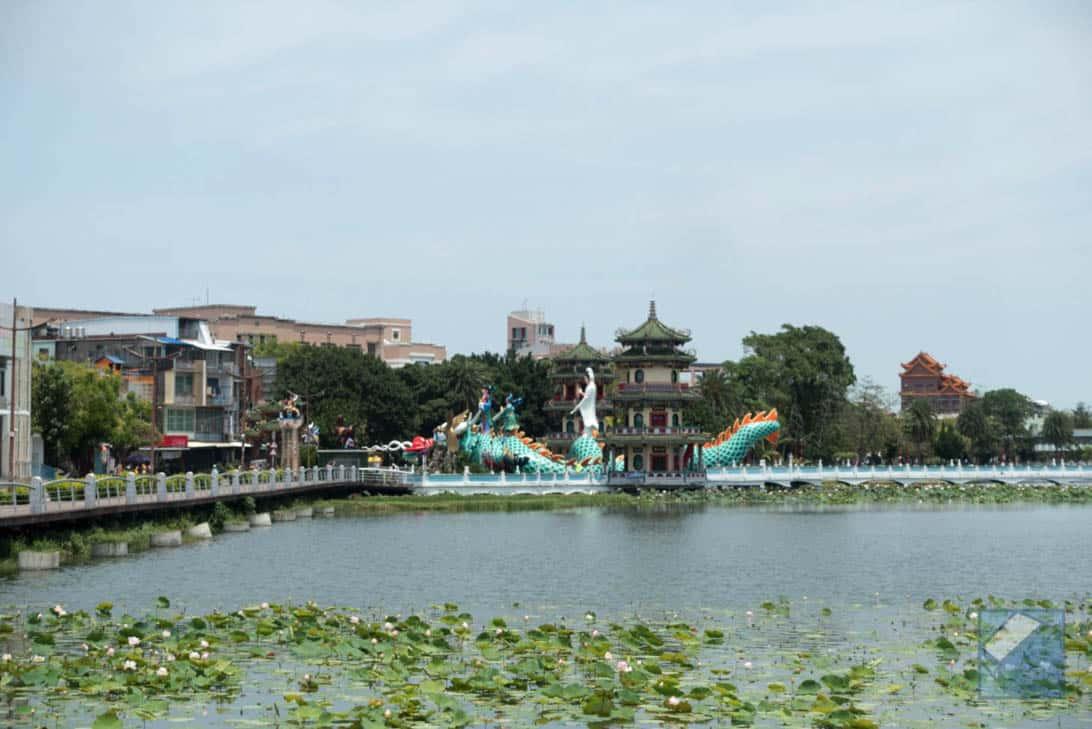 Lotus lake dragon and tiger pagodas 33