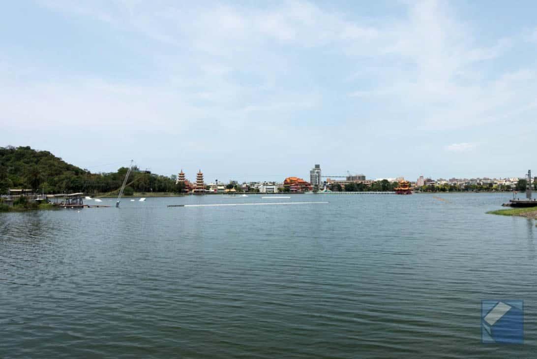 Lotus lake dragon and tiger pagodas 4