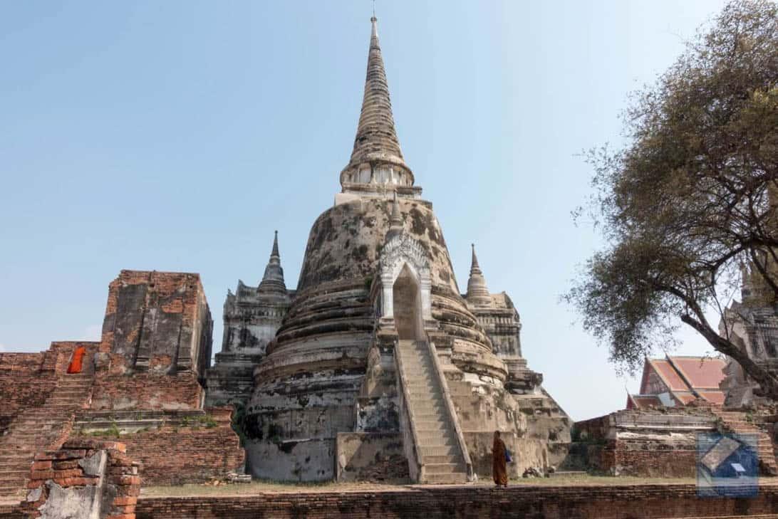 Ayutthaya ruins thailand 33
