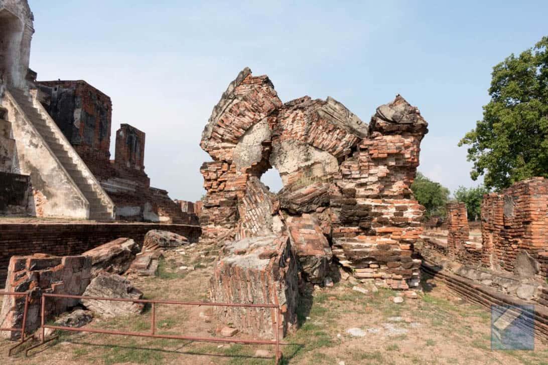 Ayutthaya ruins thailand 36
