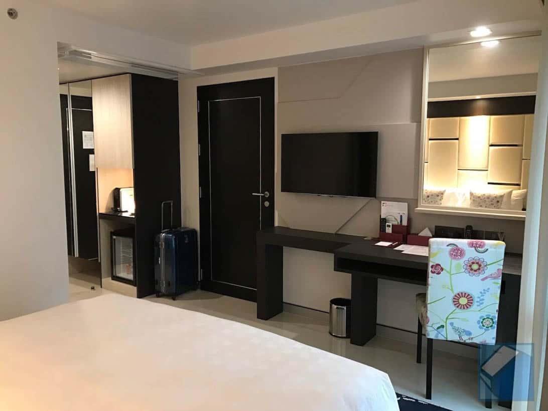 Hotel clover asoke 8
