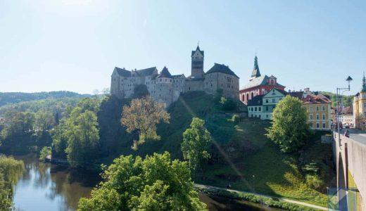 チェコ西の要塞都市・ロケット城と城下町を歩く。美しい街だが城内部には拷問博物館も…
