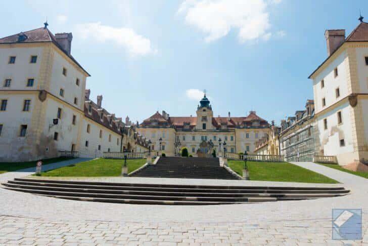 チェコの世界遺産「レドニツェ城...