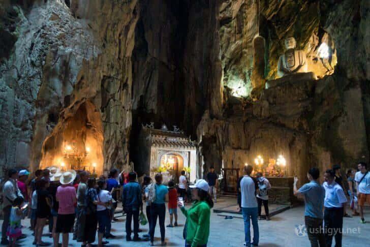 ベトナム・ダナン五行山の仏像