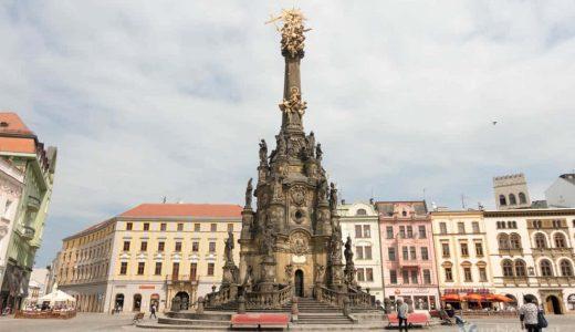 世界遺産の聖三位一体柱から独特の香りのチーズまで。チェコ・オロモウツを街歩き