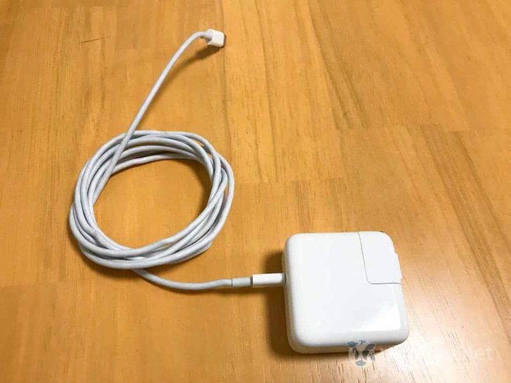 MacBook純正アダプタとケーブル