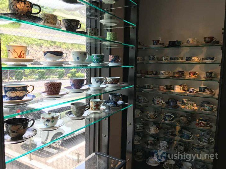 ギャラリー有田:壁一面のコーヒーカップから選べる