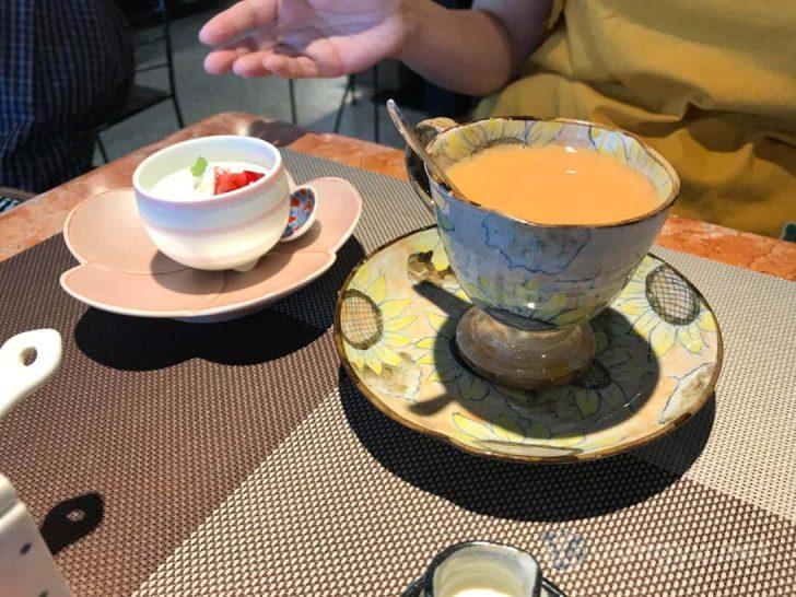 ギャラリー有田:さわやかなひまわり柄のカップ