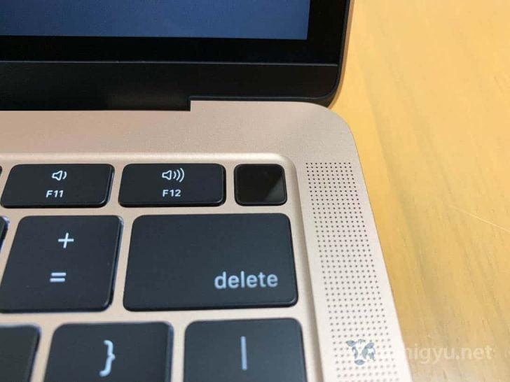 新MacBook AirにはTouch IDがついている