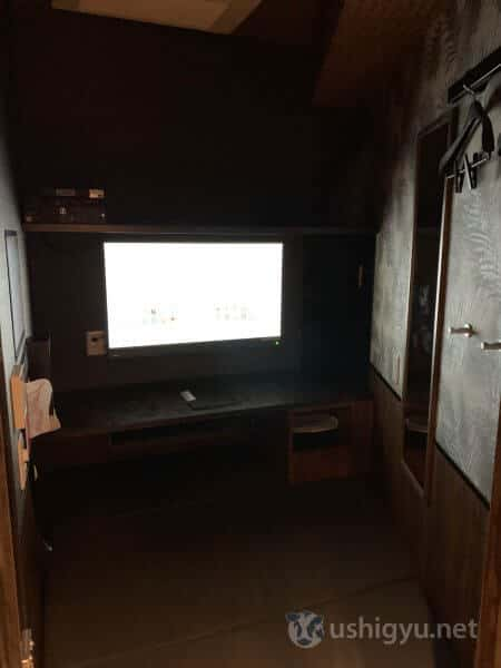 カスタマカフェ代々木店の室内