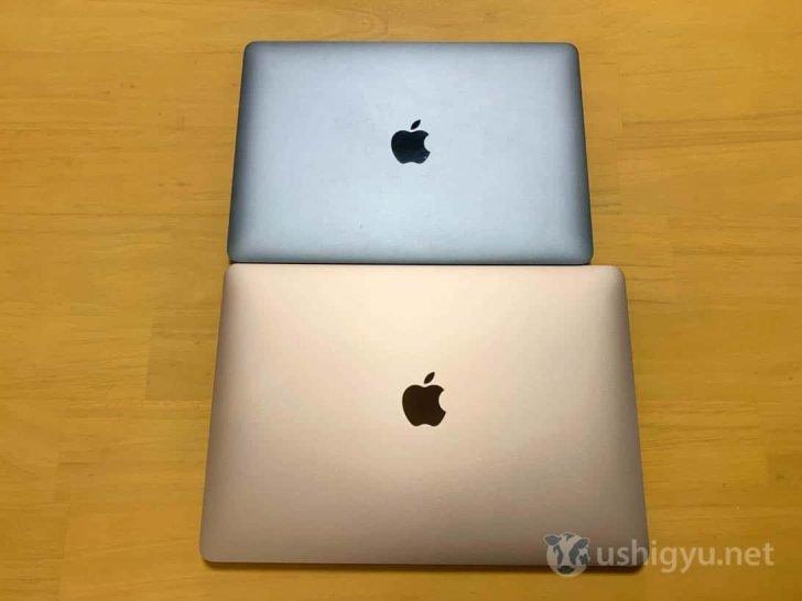 MacBookとAirを写真で比較