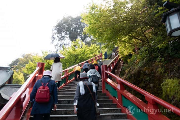 117段の階段を上る