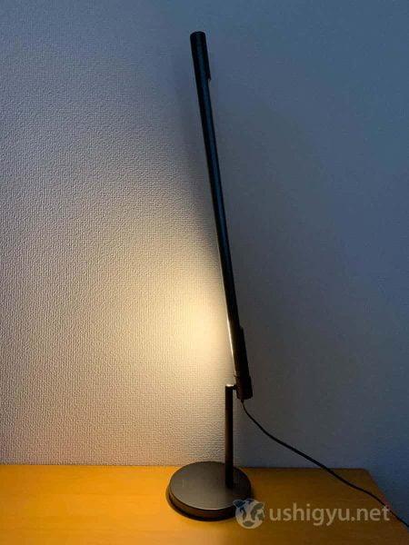 LightStripは角度をほぼ垂直にまで変えられる