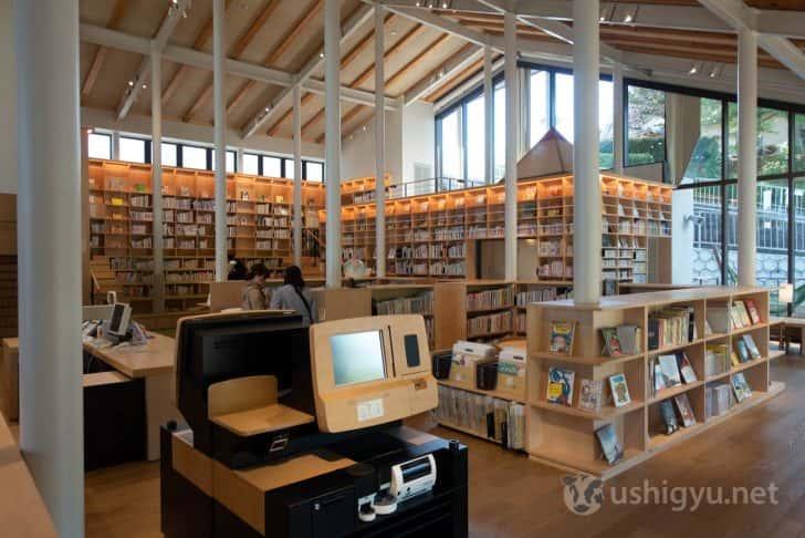 併設の武雄市こども図書館もよい雰囲気