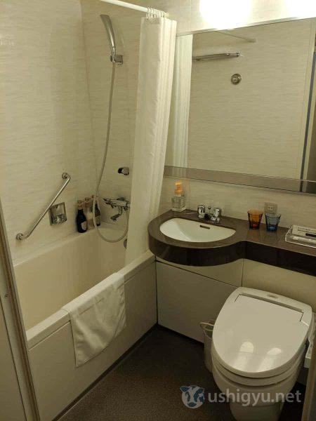 ウォシュレット付きトイレのあるユニットバス