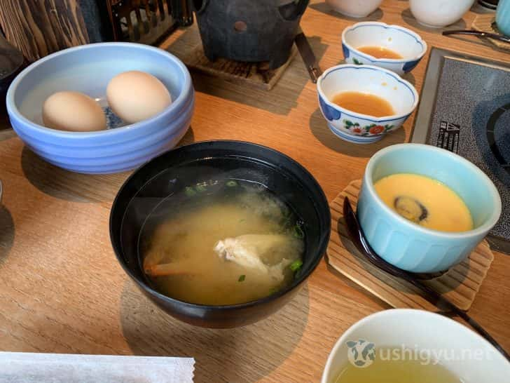 味噌汁に、ダシのきいた茶碗蒸し