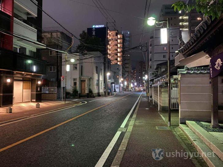 iPhone 11夜景モード(夜の路上)