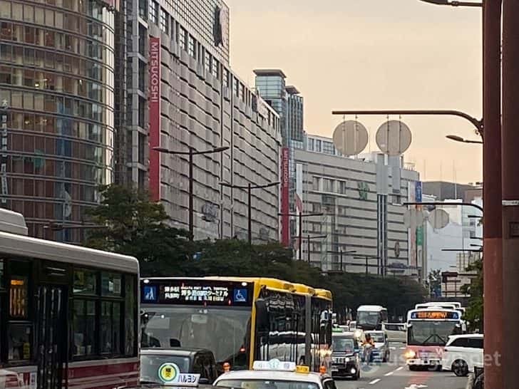 日中の市街地ズーム_iPhone 11