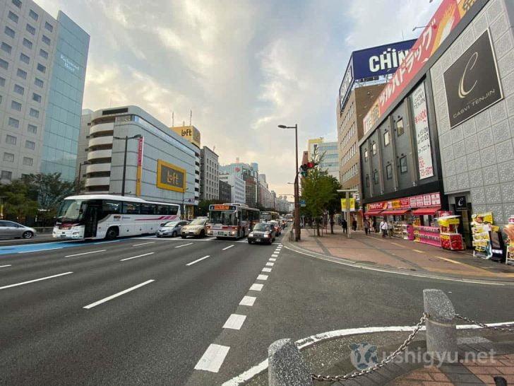 日中の市街地超広角_iPhone 11