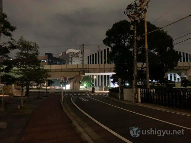 夜の暗い路上_iPhone XS