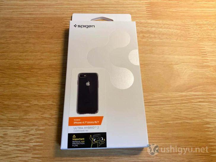 Spigenのクリアケース・ウルトラハイブリッド2のパッケージ。iPhone SE(第2世代)、8、7で利用可能