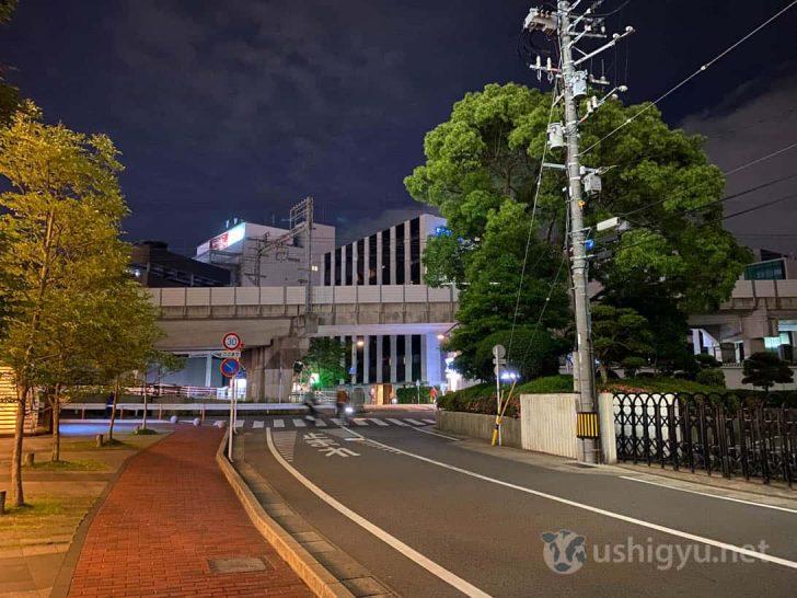 iPhone 11で撮った夜の路上
