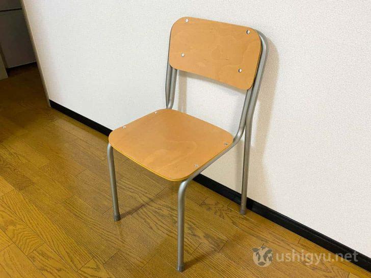 座面はもちろん木の板なので、家で使うなら座布団なりなんなり敷くのもいいかも