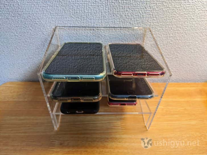 スマートフォン6台がきれいに並ぶ