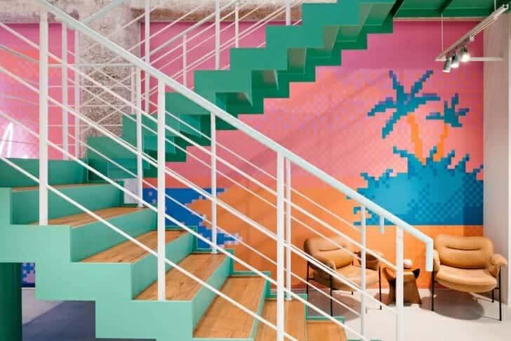 WeWork 大名の内階段