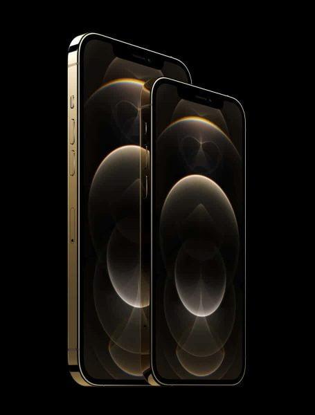 iPhone 12 Pro Maxは6.7インチ、12 Proは6.1インチディスプレイ