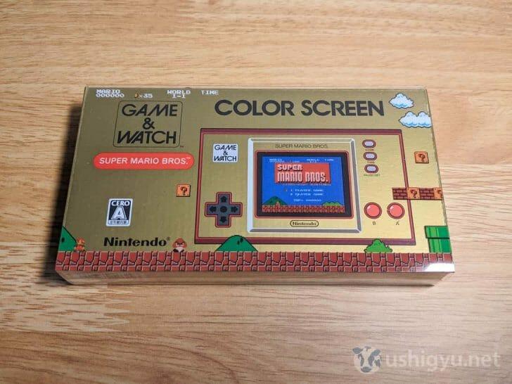 ゴールドのベースにスーパーマリオブラザーズの絵柄が入った、「ゲーム&ウオッチ スーパーマリオブラザーズ」のパッケージ