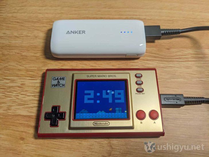 充電はUSB-Cポートから。公称では約3時間の充電で約8時間のゲームプレイが可能