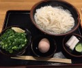 宮崎で飲んだら、締めは釜揚げうどん!「五味八珍」麺つゆと卵に絡めて食べる細麺うどんがウマイ。