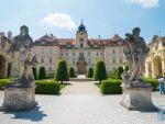 チェコの世界遺産「レドニツェ城」「ヴァルチツェ城」は、まるでRPGの旅立ちの(ラスボスの?)城のようなファンタジー感